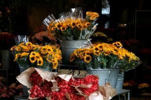 Wiązanki w kwiaciarni